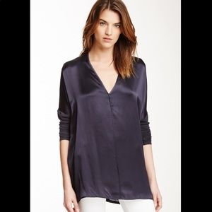 VINCE▪️Silk Blend Blouse. L. Navy blue. (G)